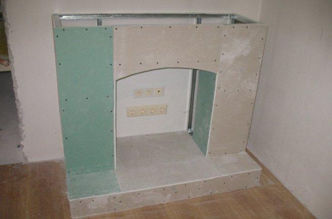 Портал для электрокамина сделан своими руками
