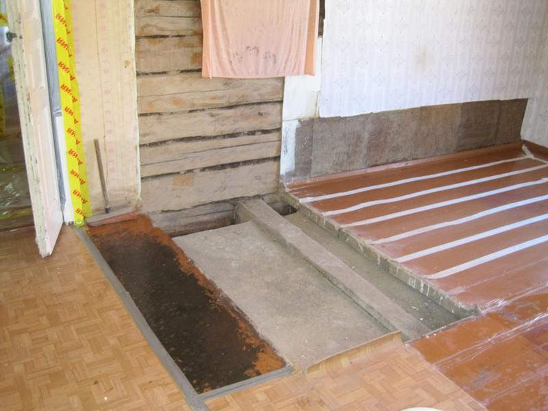 Фундамент от старой печи остался – задняя стенка была перед постройкой новой печи снесена – и настало время начинать постройку.